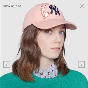 Pink NY Yankees Gucci Hat. Worn less than 4 times.